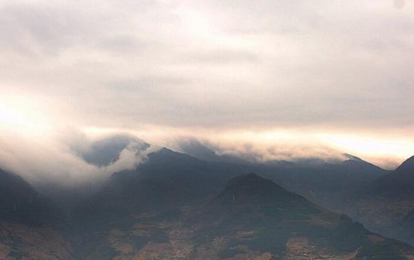 川藏线-二郎山顶风景