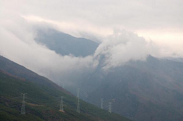 川藏线-二郎山318国道观景台